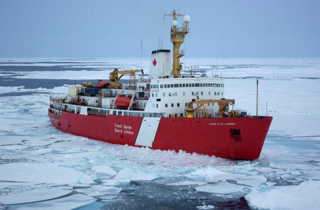 Polar icebreakers to strenghtn Canada's Arctic presence