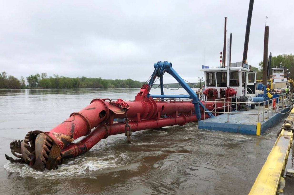 USACE to repair the Hamburg Ditch 6 levee - Dredging Today