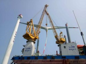 Chinese Jack-Up Installs Its First Turbine