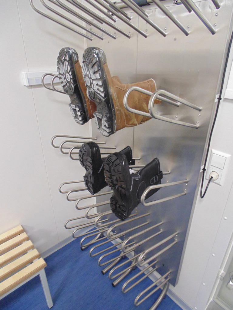 Boot dryer for boots, shoes and gloves