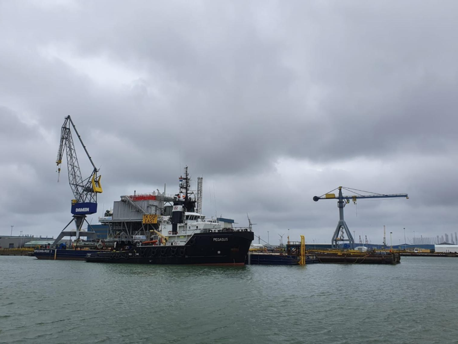 Second Triton Knoll Topside Ready to Move