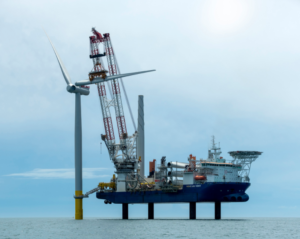 Crane Ordered for First Jones Act Compliant Offshore Wind Installation Vessel