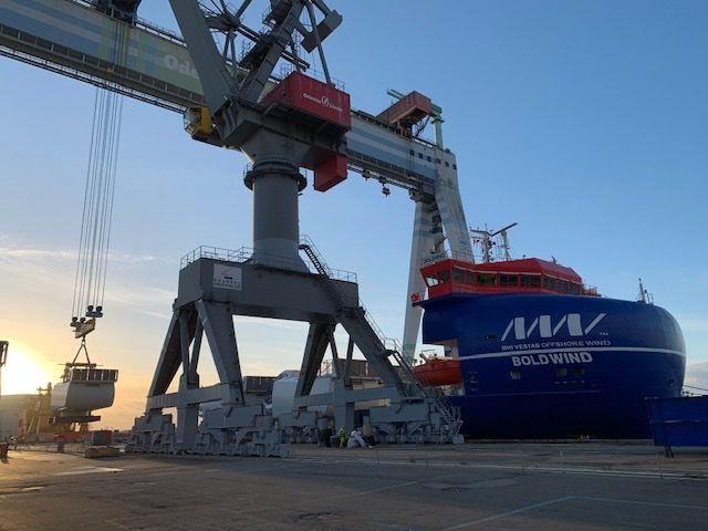 BoldWind loading nacelles for Triton Knoll at LINDØ port of ODENSE