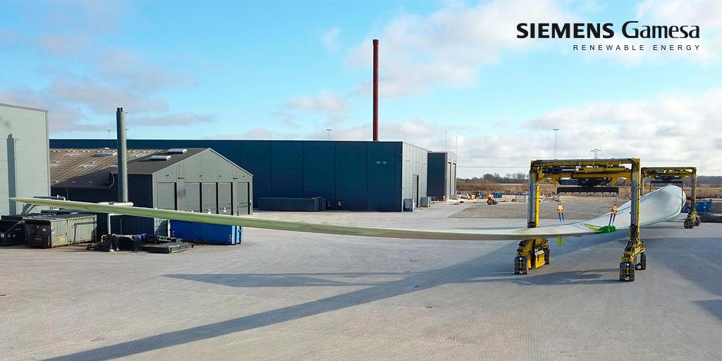 Siemens Gamesa Rolls Out Record-Breaking Wind Turbine Blade