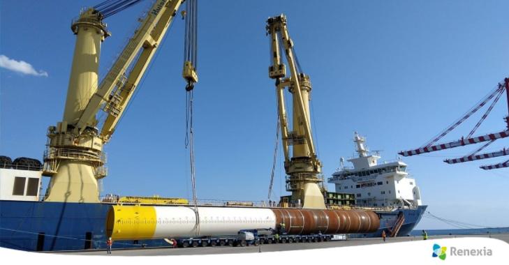 Monopiles unloaded at Port of Taranto