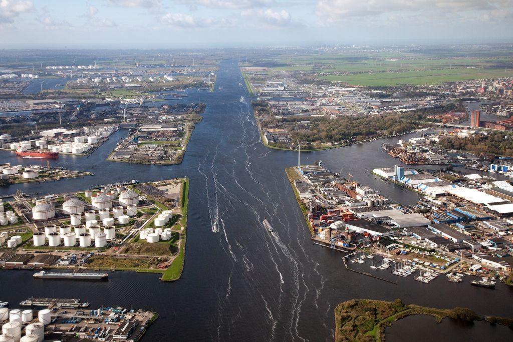 Overslagcijfers haven Amsterdam. Foto, Henk Honing.