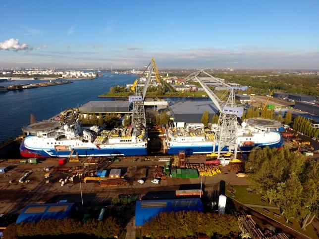 'Oceanic Vega' bij Damen Shiprepair Amsterdam. Foto, Damen.