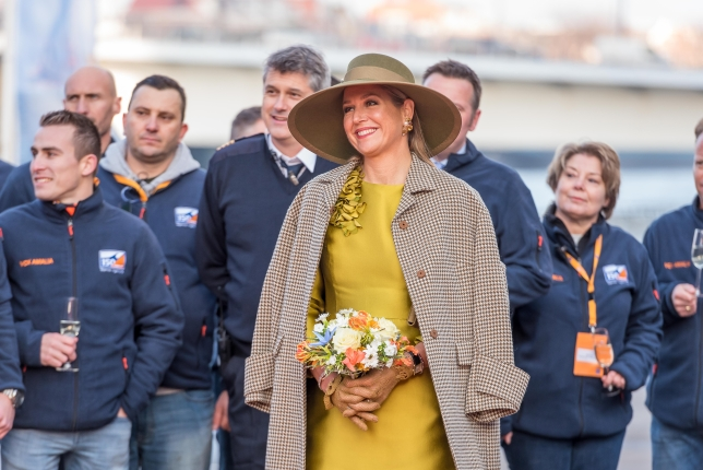 Koningin Maxima tijdens doopceremonie Vox Amalia in Rotterdam Foto, Van Oord