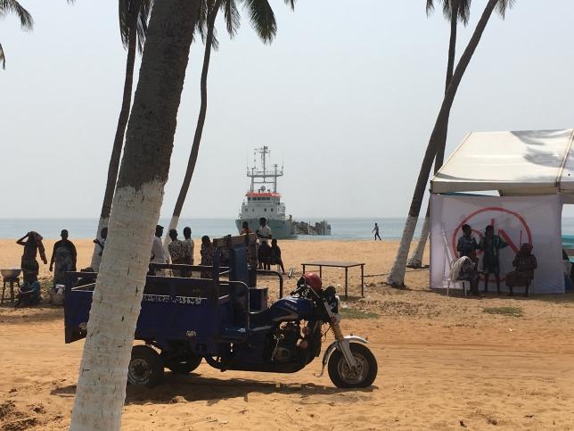 Strand van Benin. Foto, Jan De Nul.