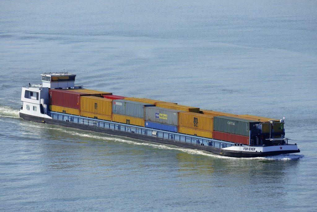Binnenvaartschip For Ever gebunkerd met 100 procent biobrandstof. Foto, GoodFuels.
