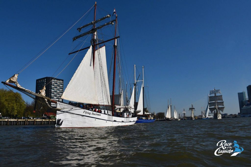 Race of the Classics tijdensde start in Rotterdam. Foto ROTC.