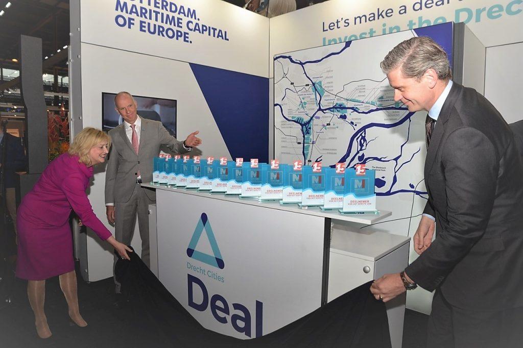 Burgemeesters openen Maritime Industry. Foto, Ruud Aantjes.