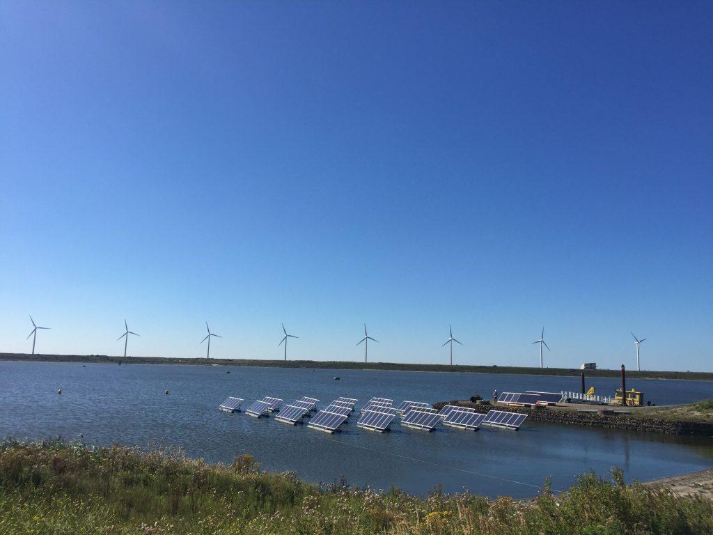 zonnepanelenproef-op-de-slufter Foto Port of Rotterdam 6-5-2019