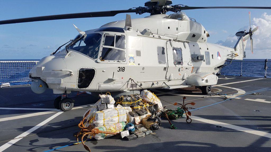 400 kilo cocaine onderschept Zr.Ms. Groningen Foto Defensie 17-06-2016