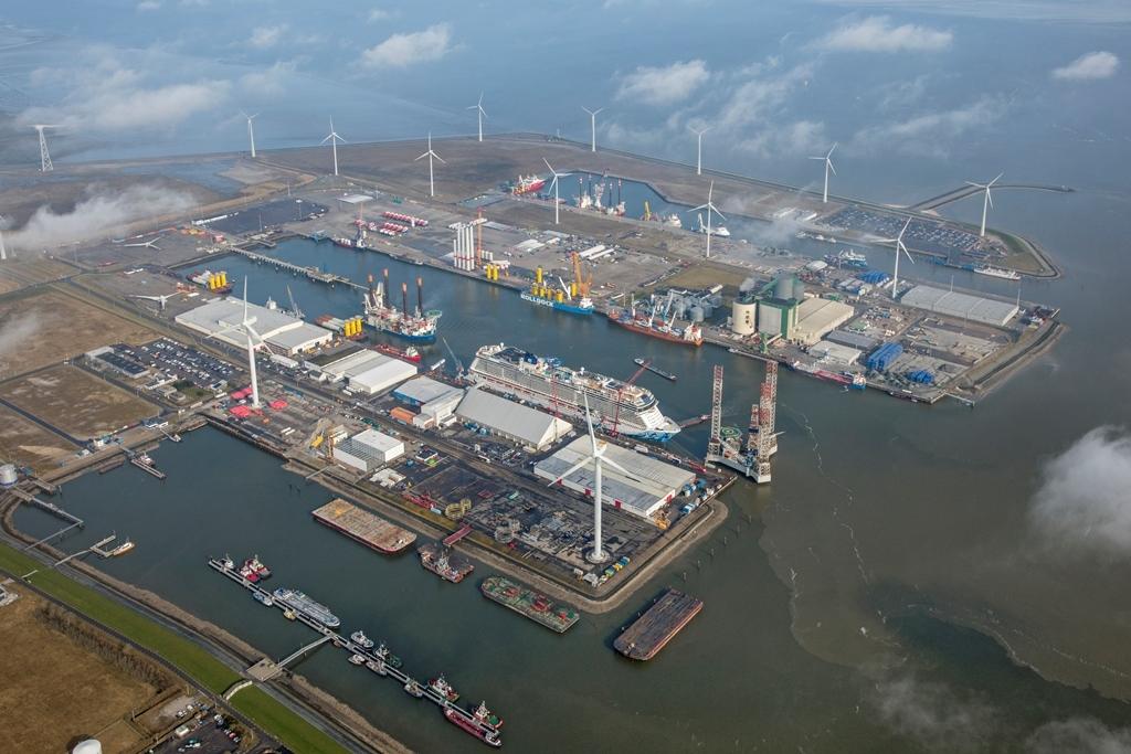 Eemshaven Foto Koos Boertjens, Groningen Seaports