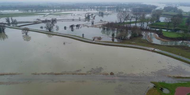 Hoogwater Rijn Foto RWS