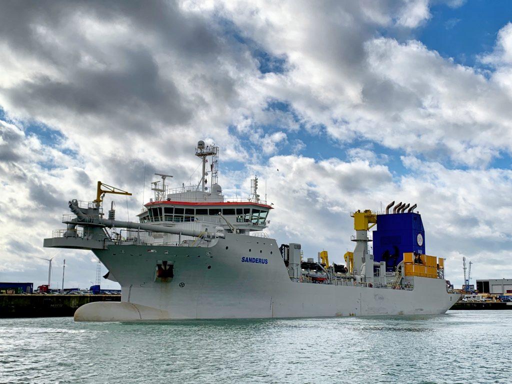 Sanderus van Jan De Nul in de haven van Zeebrugge.