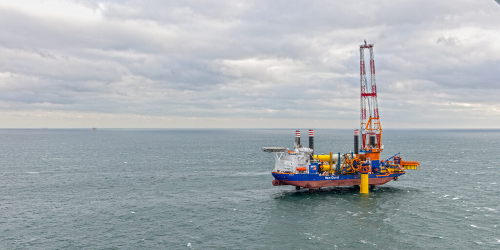 Offshore Installation Vessel Aeolus. Foto, Van Oord