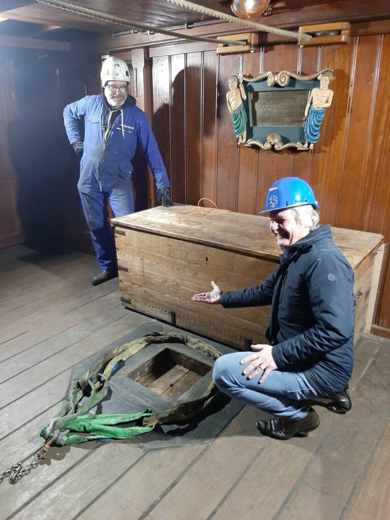 Munt onder de mast. Foto, Het Scheepvaartmuseum.