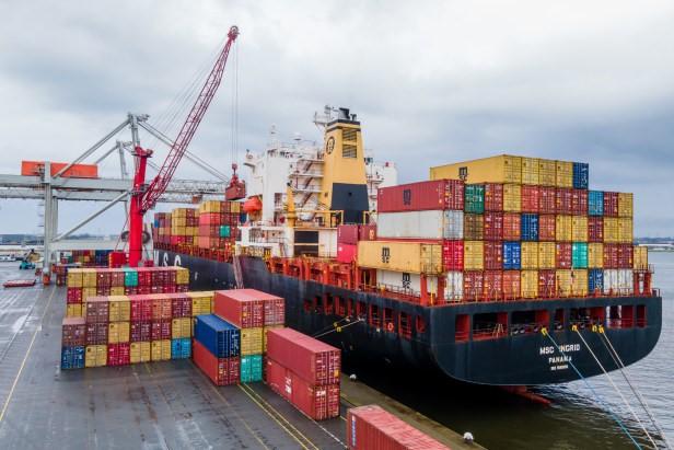 Amsterdamse haven wil koploper zijn in transitie. Foto, Ed van de Pol.