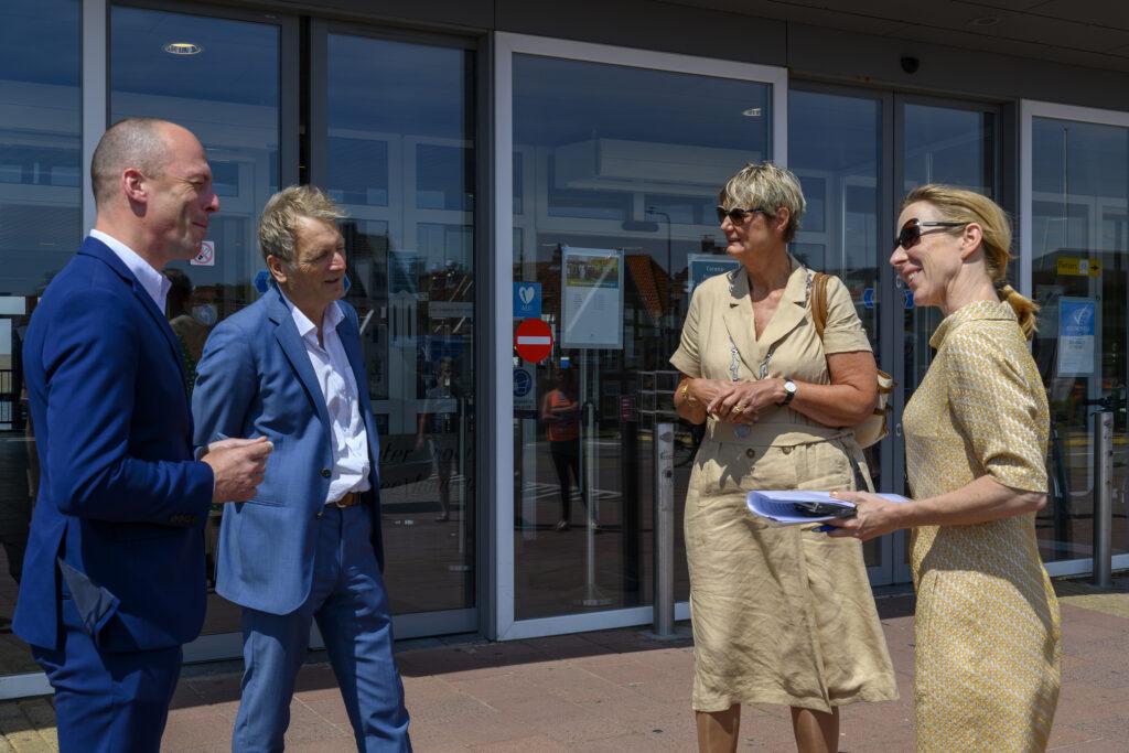 Bezoek demissionair-staatssecretaris Van Veldhoven.Foto, Rederij Doeksen