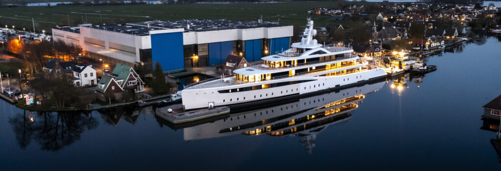 Project 817 Foto, Feadship