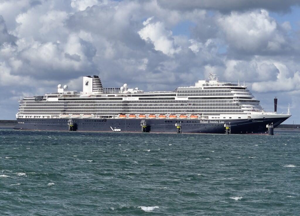 Vlaggenschip 'Rotterdam'. Foto, World Ship Society.