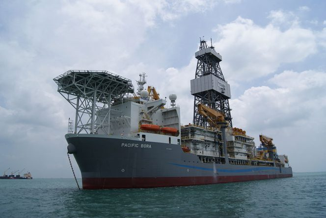 Pacific Bora drillship; Image by Jacklee/Wikimedia. Shared under CC BY-SA 3.0 license