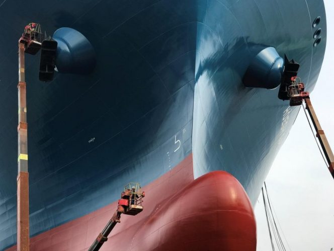 Picture of the day: Höegh LNG's tenth FSRU gets painted