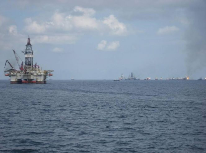 Illustration only: A rig in the Gulf of Mexico - Image by M&R Glasgow/Flickr - Shared under CC by 2.0 license