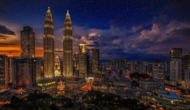 Illustration: Kuala Lumpur and Petronas Twin Towers - Image source: Pixabay