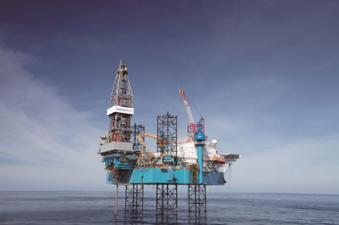 "The jack-up rig ""HAKURYU-11"" / Image Copyright: Japan Drilling Co.,Ltd."
