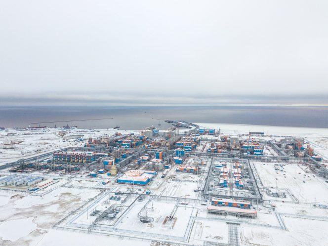 Arctic LNG 2 stake sale boosts Novatek's profit