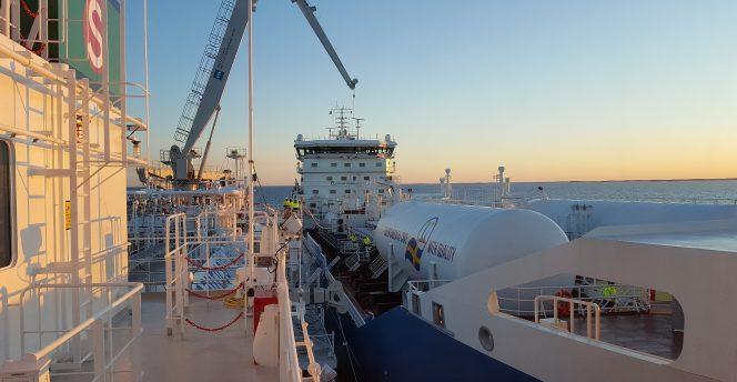 Nauticor's Kairos supplies LNG to Furetank's Fure Valö