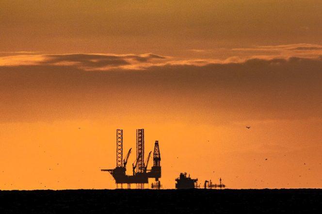 Illustration: An offshore drilling rig / Image source: Pixabay