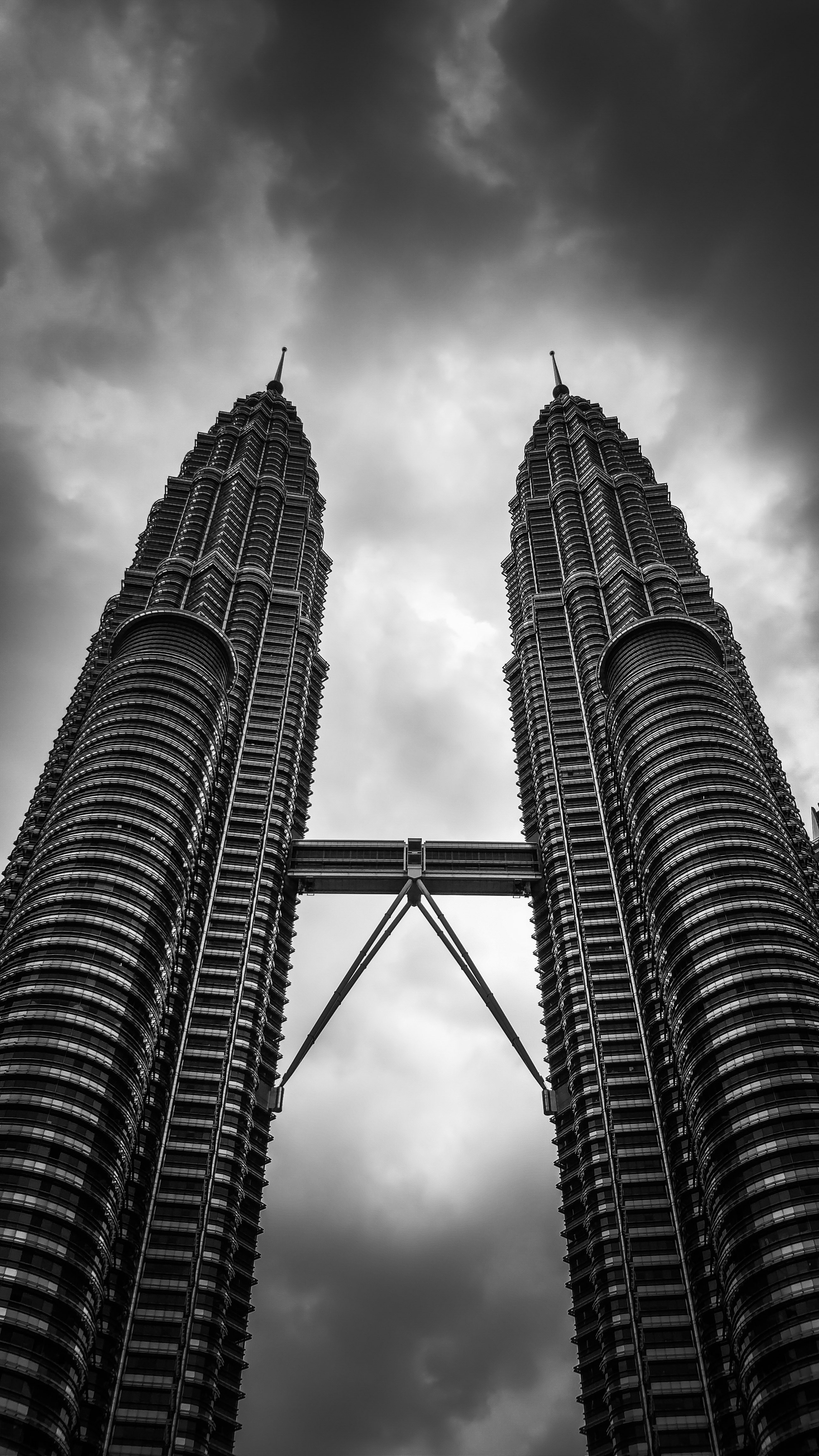 The Petronas Twin Towers in Malaysia were experiencing coating failure in gas line jointing flanges.