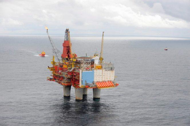 Illustration: Statfjord field platform; Image by Harald Pettersen/Equinor