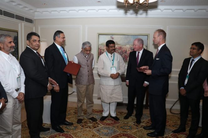 ExxonMobil inks LNG MoU with Indian Oil Corp