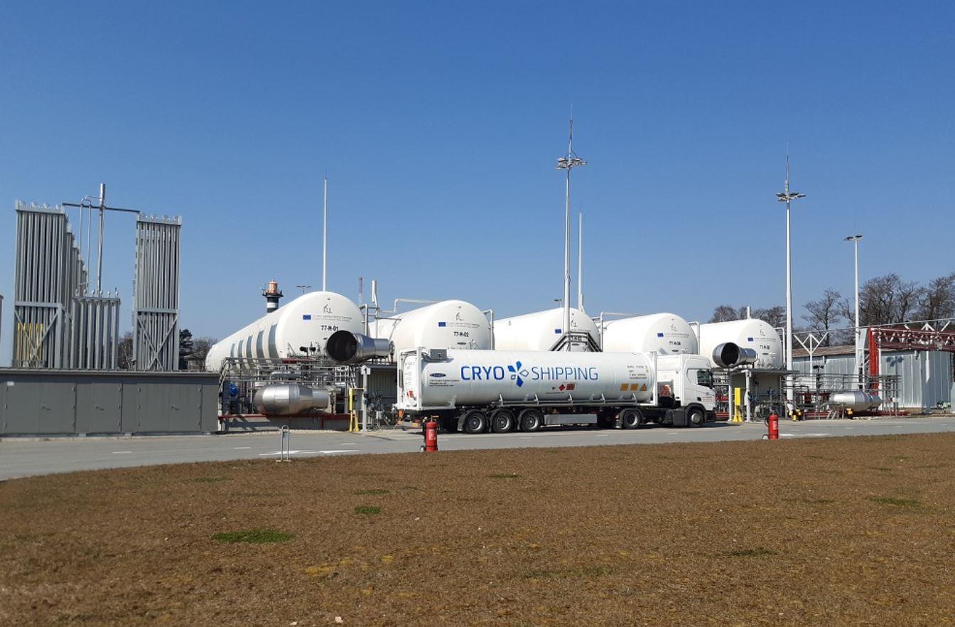 CRYO Shipping LNG bunkering