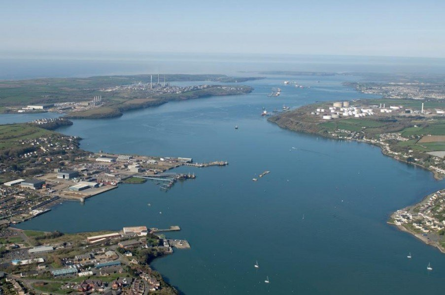 UK books first LNG cargoes for May