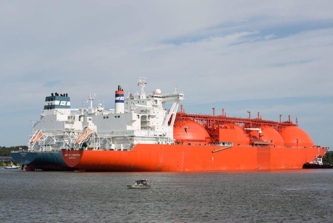 Arctic Princess and FSRU Independence