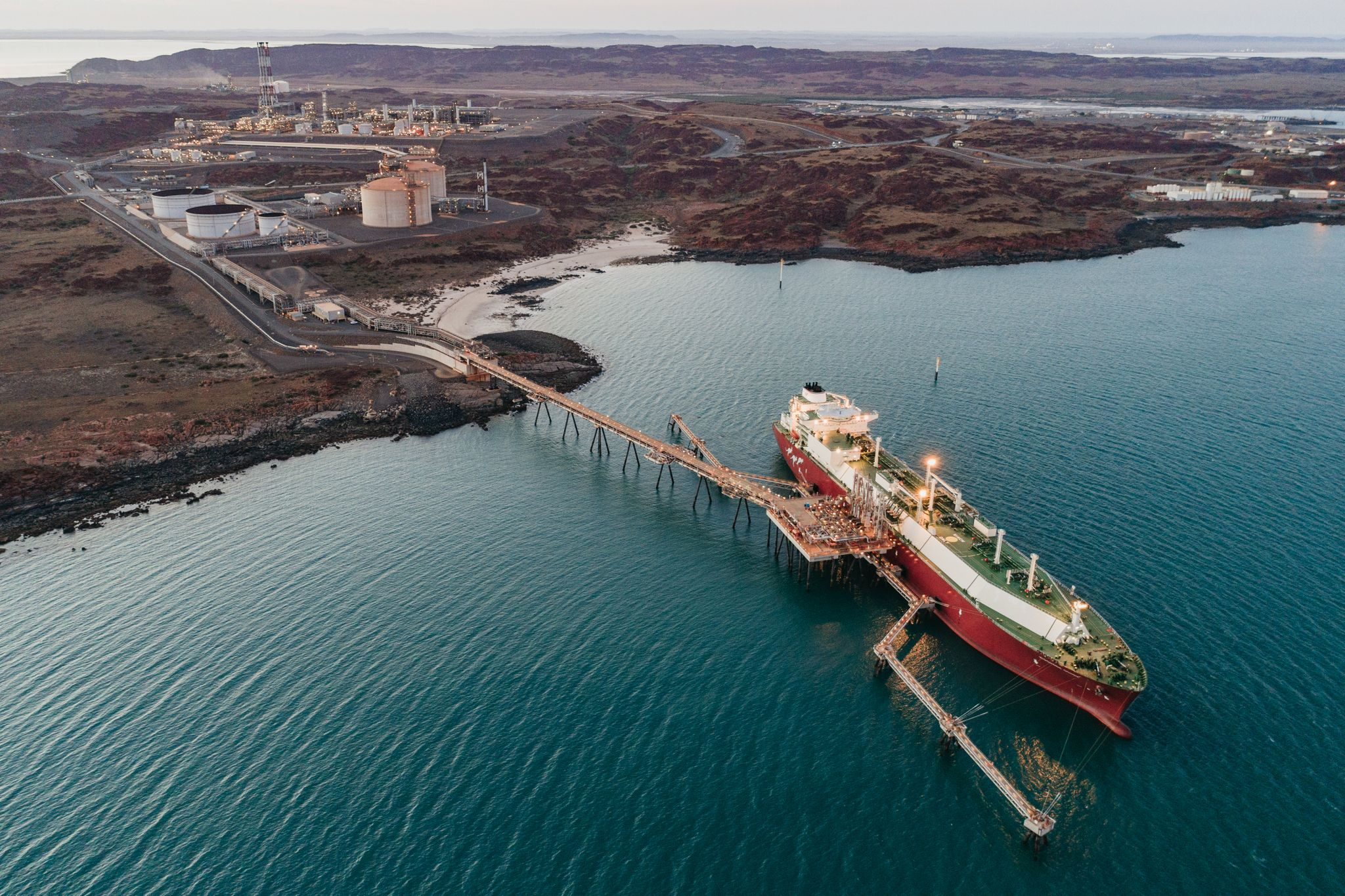 EnergyQuest Australian LNG exports remain strong in April