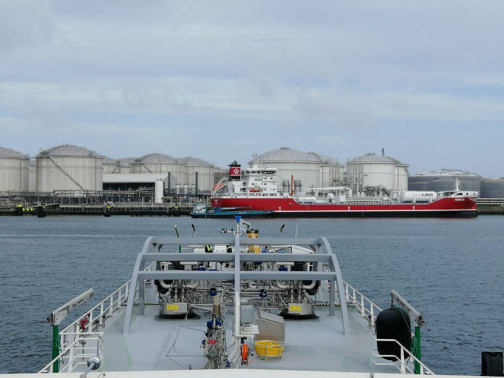 Titan LNG completes first SIMOPS in Port of Rotterdam