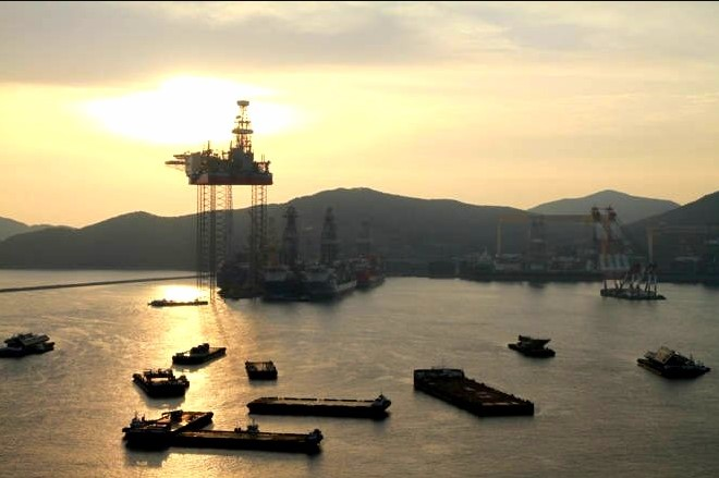 The jacked-up Maersk Invincible; Source: Maersk Drilling