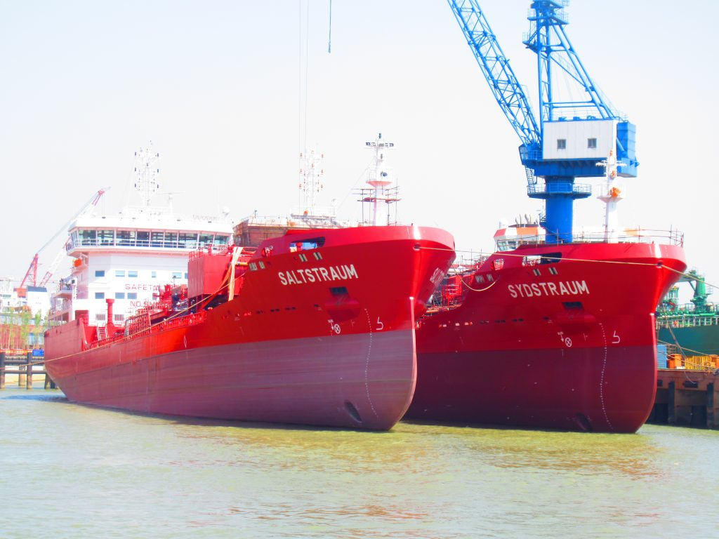 Utkilen takes delivery of third LNG-ready tanker
