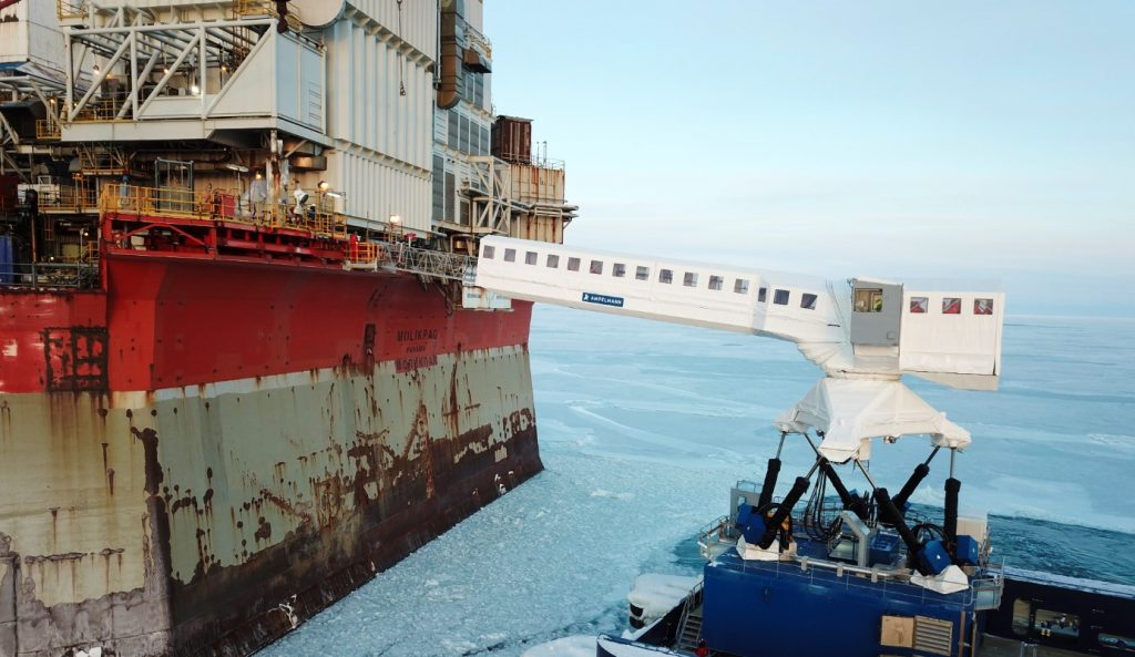 The N-type system operating in extreme winter conditions off Sakhalin; Source: Ampelmann
