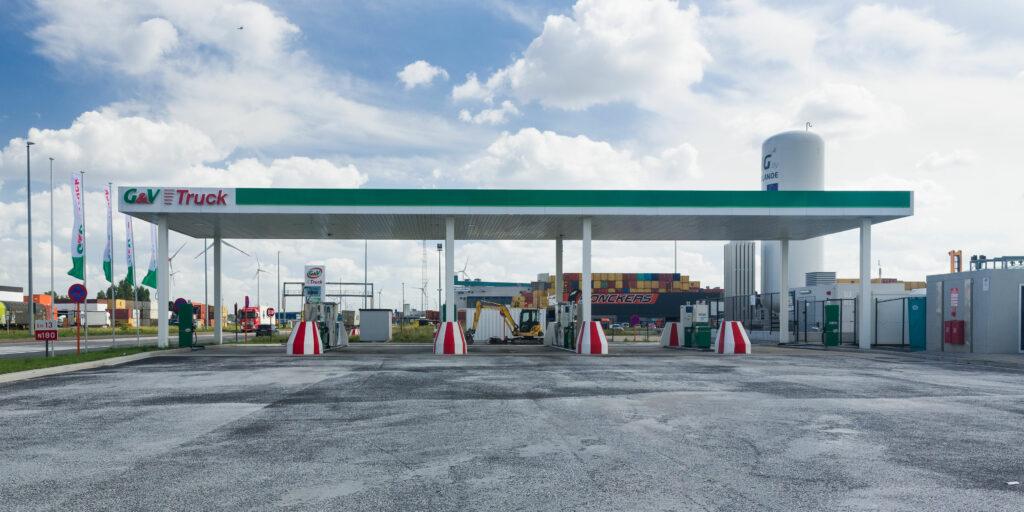 Rolande, G&V Energy open LNG fueling station in Antwerp