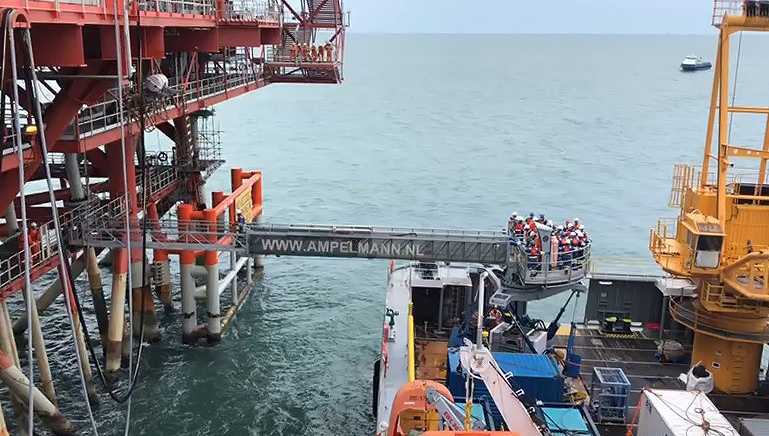 Ampelmann's AEP system operating off the East Coast of India