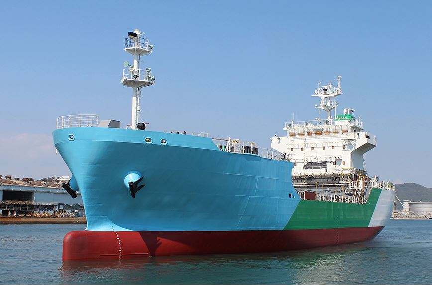 Japan's 1st LNG bunkering vessel ready to start ops