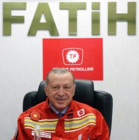 Recep Tayyip Erdoğan onboard the Fatih drillship; Source: Erdoğan's Twitter account